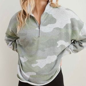 Aerie Sunday Soft Quarter Zip Sweatshirt Camo Sz M
